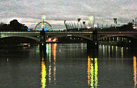 Melbourne river at night
