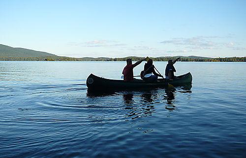 Canoe muskateers