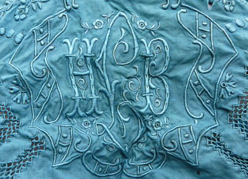 Indigo bunting embroidery