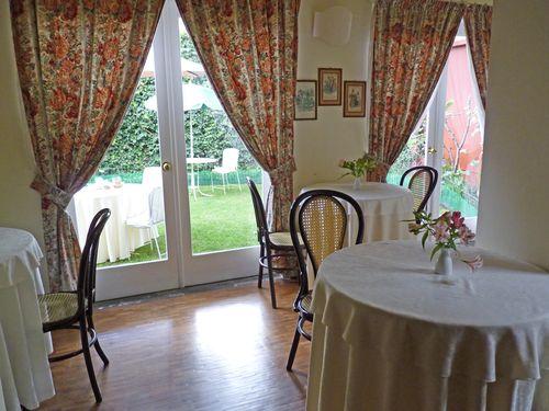 Dining room larabida
