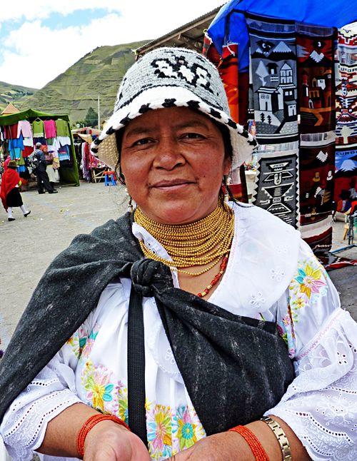 Zumbahua market shawl vendor