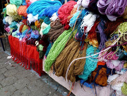 Zumbahua market yarn