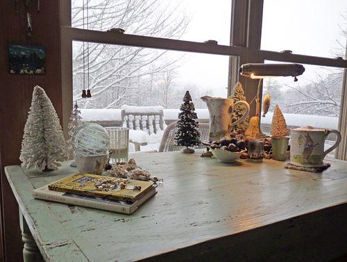 Snow desk