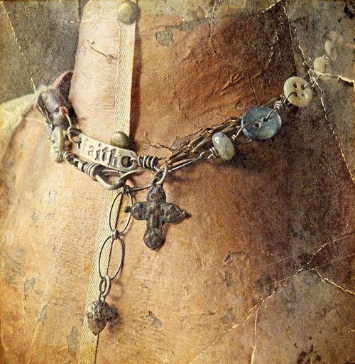 Bracefet faith abi side