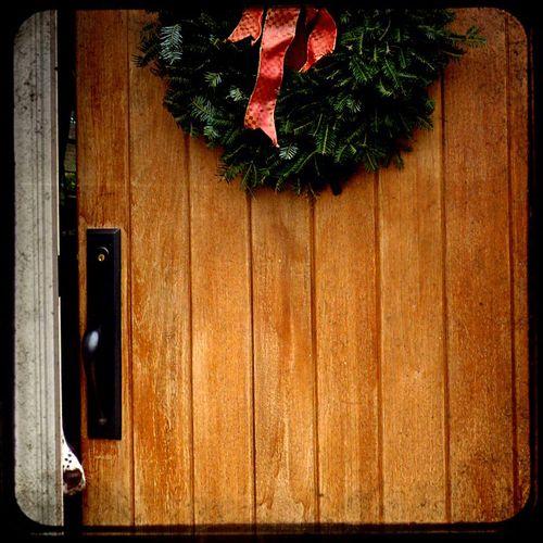 Christmas peek 1