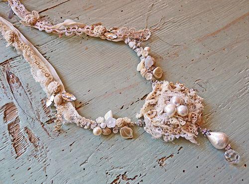Winter nest necklace  02