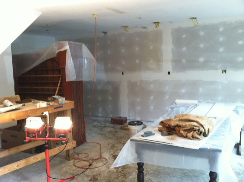 Studio drywall up