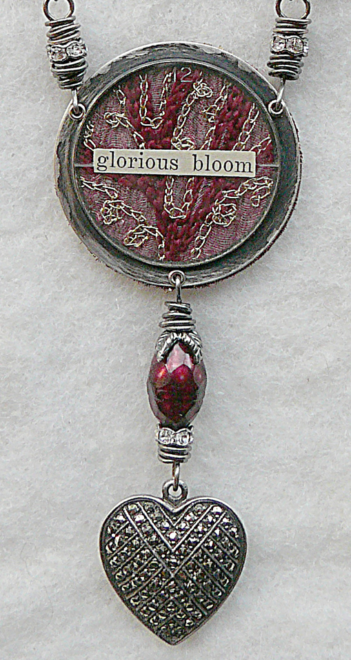 Glorious_bloom_front_detail